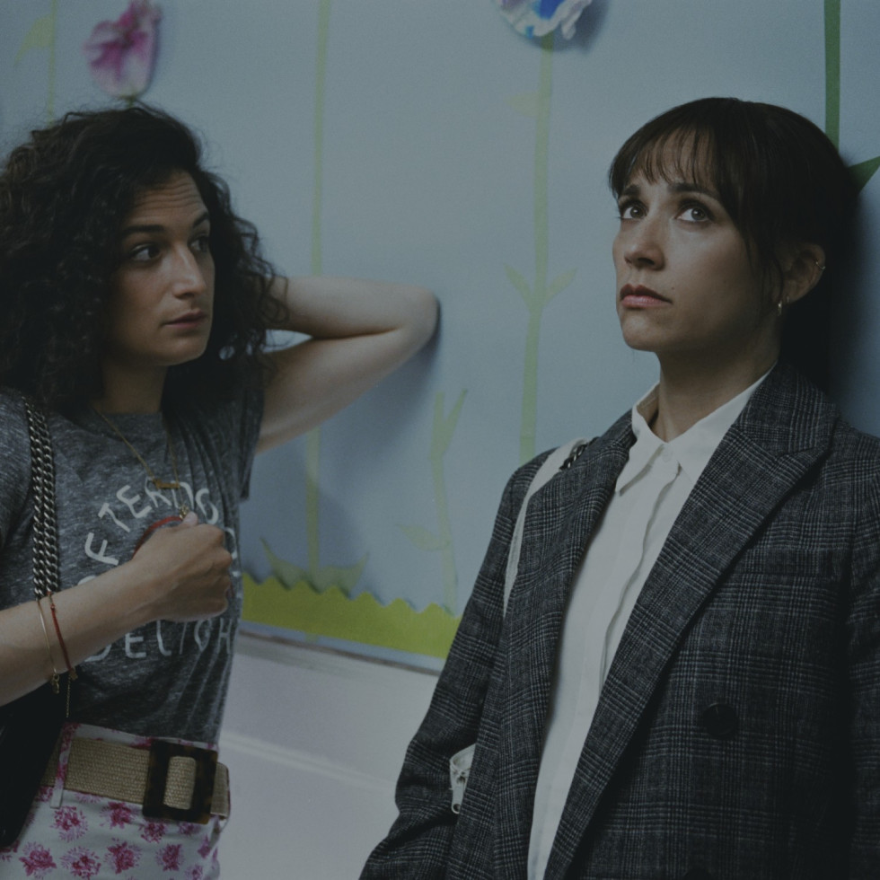 Jenny Slate and Rashida Jones in On the Rocks
