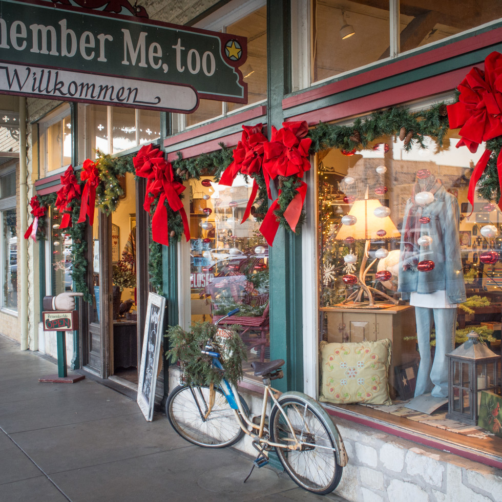 Fredericksburg holiday shopping