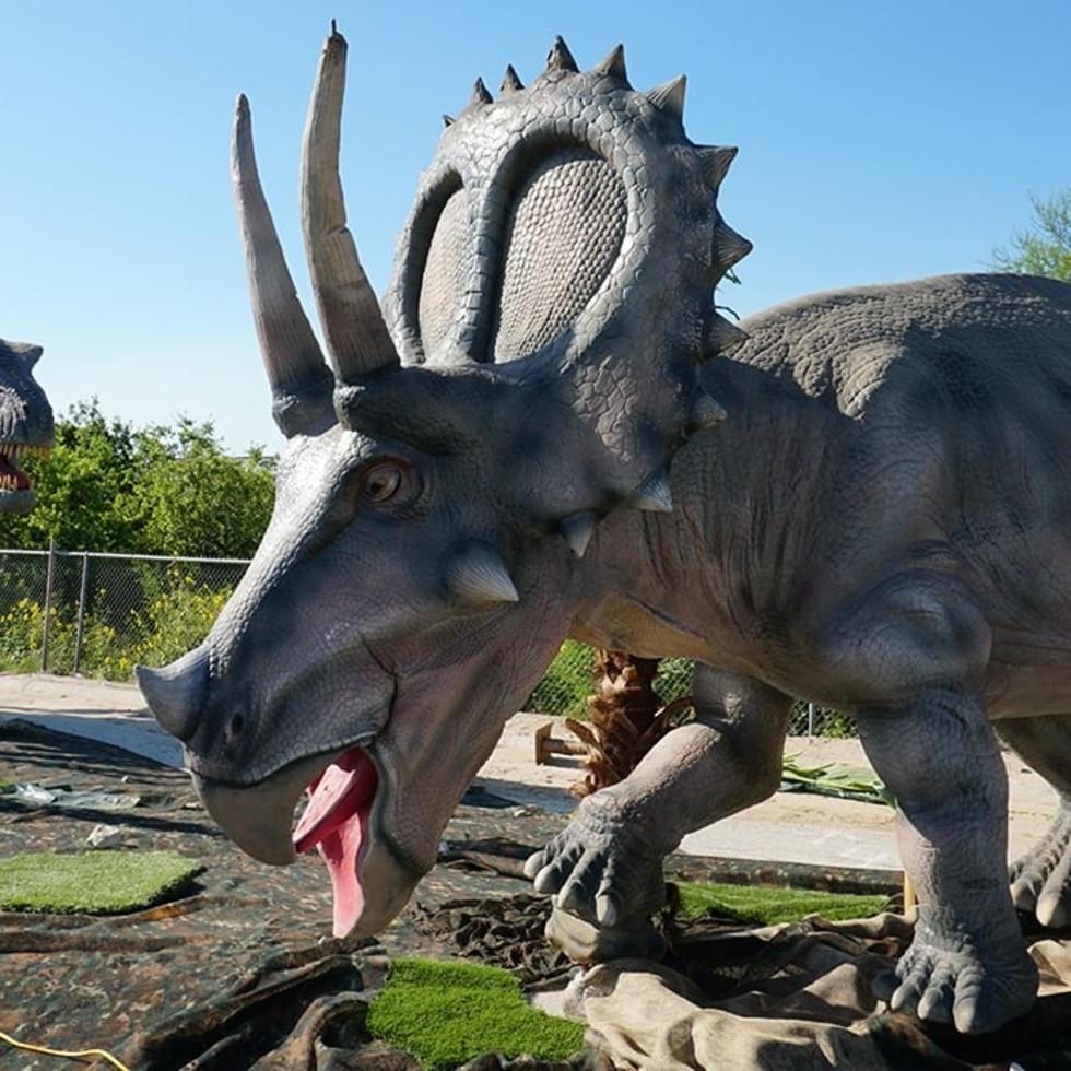 Jurassic Quest dinosaur drive-thru