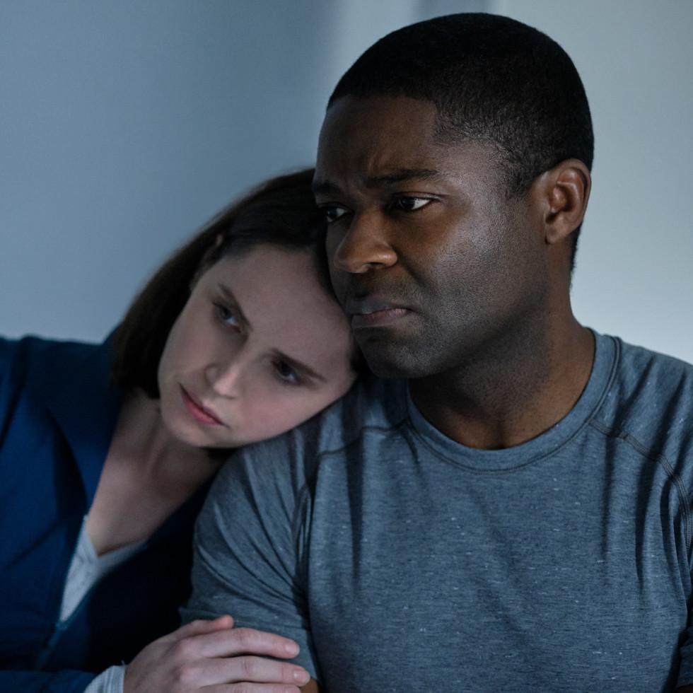 Felicity Jones and David Oyelowo in The Midnight Sky