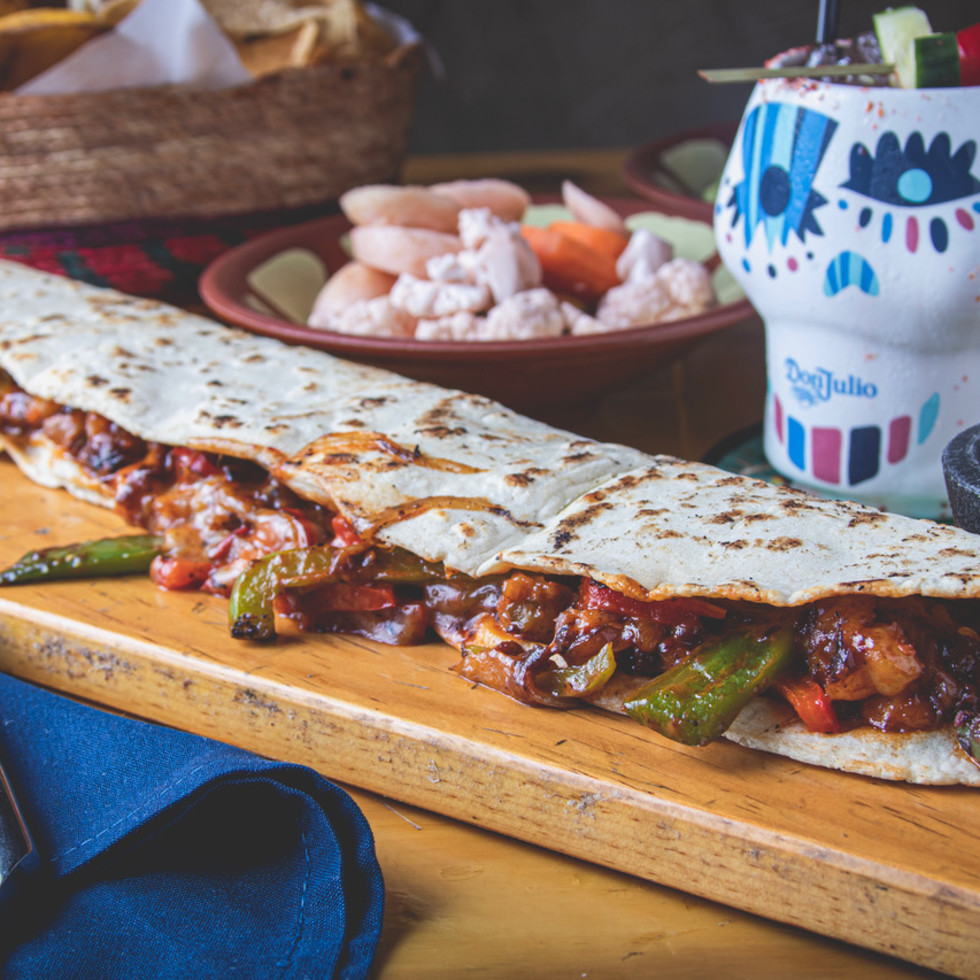 Tres Tacos machete