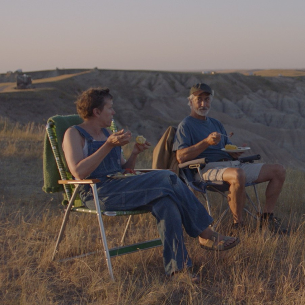 David Straithairn and Frances McDormand in Nomadland