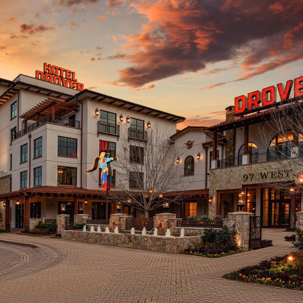 Hotel Drover