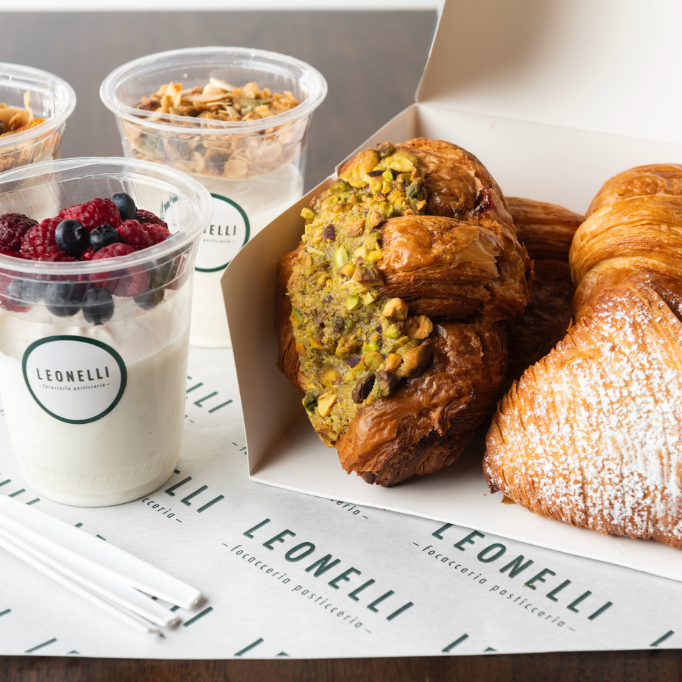 Cafe Leonelli breakfast items