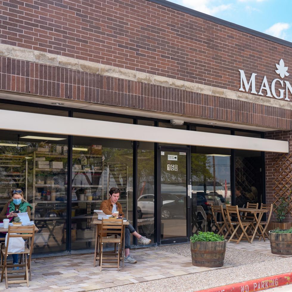 Magnol French Baking patio