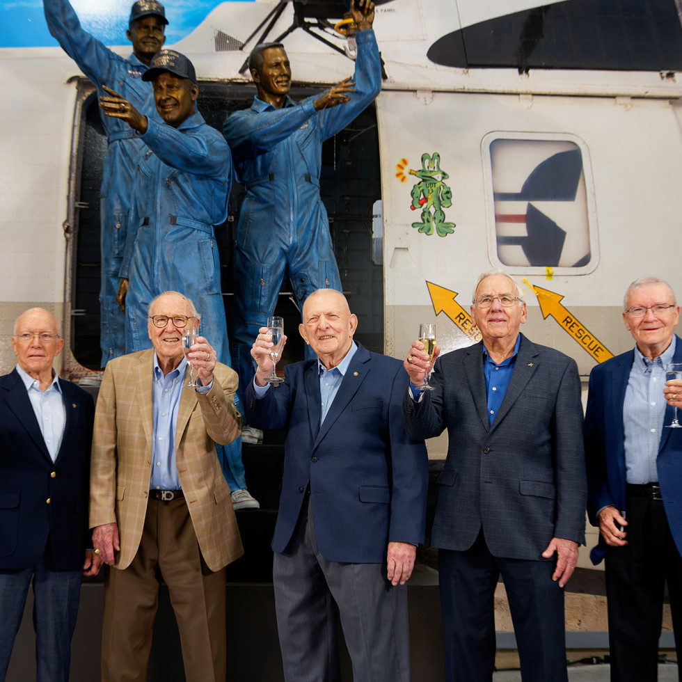 Apollo 13 statue Jim Lovell Fred Haise Space Center Houston