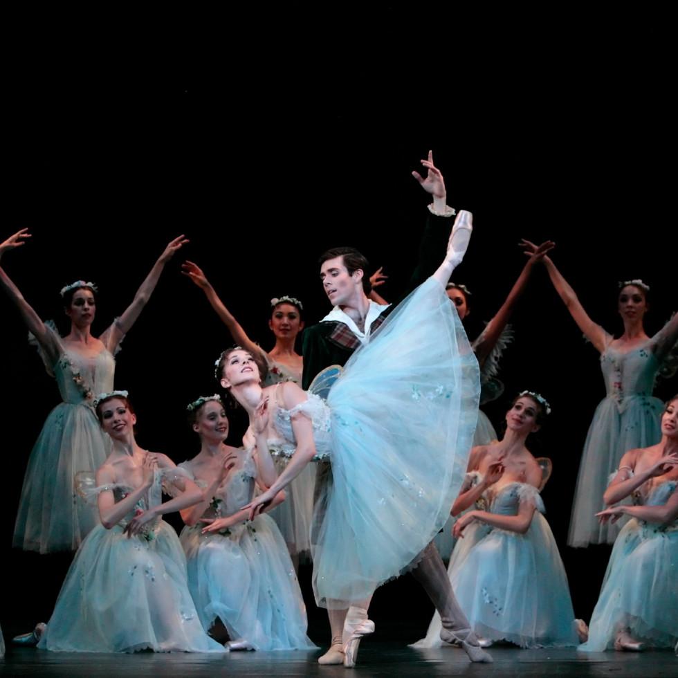 Houston Ballet principals Yuriko Kajiya and Connor Walsh in Stanton Welch's Madame Butterfly