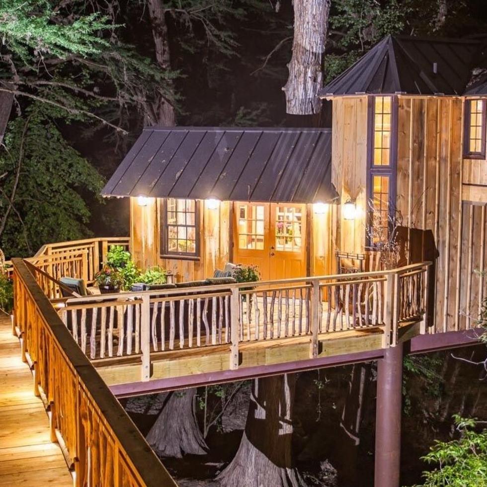 Chateau, Treehouse Utopia