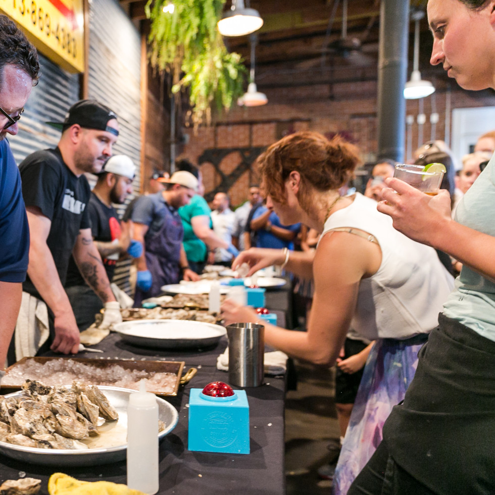 Julep oyster shucking contest