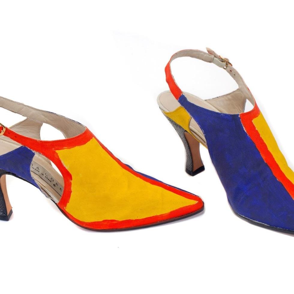 Zapatos (Shoes), 1991, Canvas & Silk, Meadows Museum
