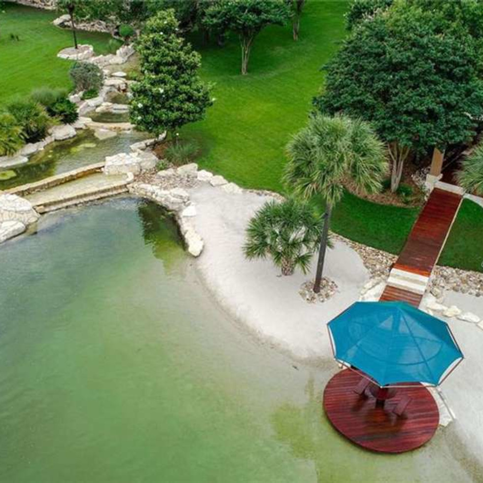 Redwine property pool