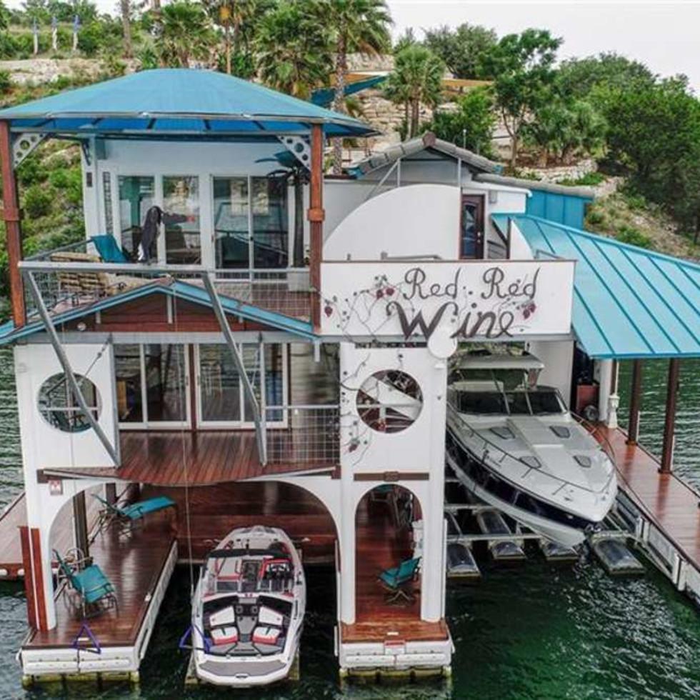 Redwine property boathouse