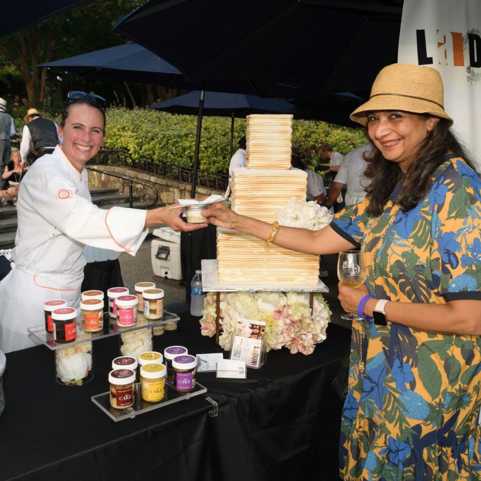 Chef Dunia Borga, Monica Narula