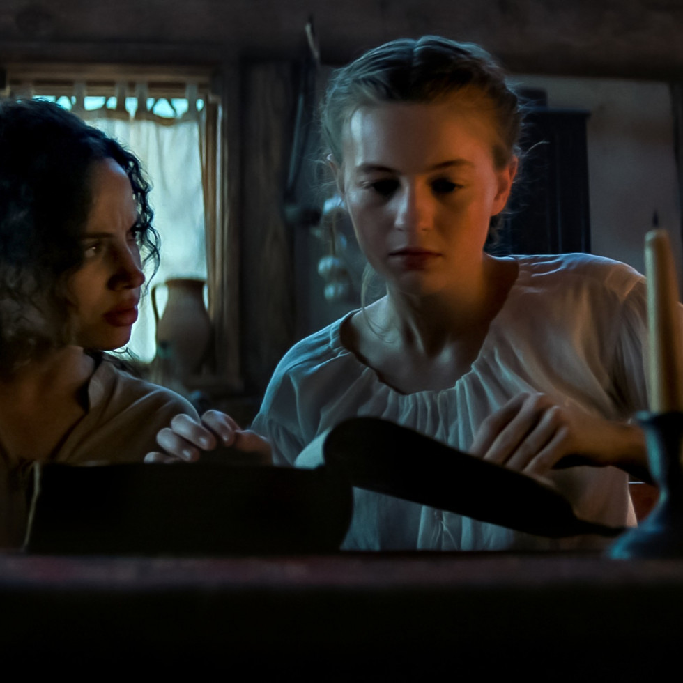 Kiara Medeira and Olivia Scott Welch in Fear Street Part Three: 1666