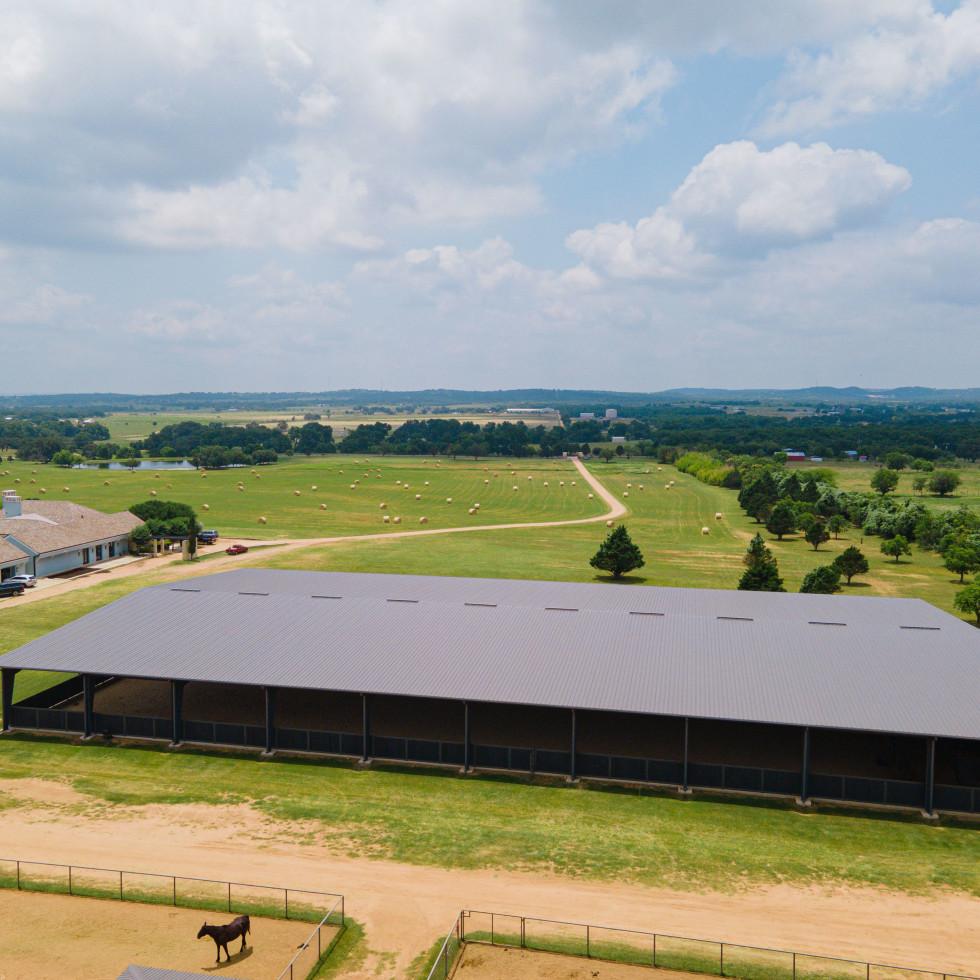 Sky West Ranch horse barn