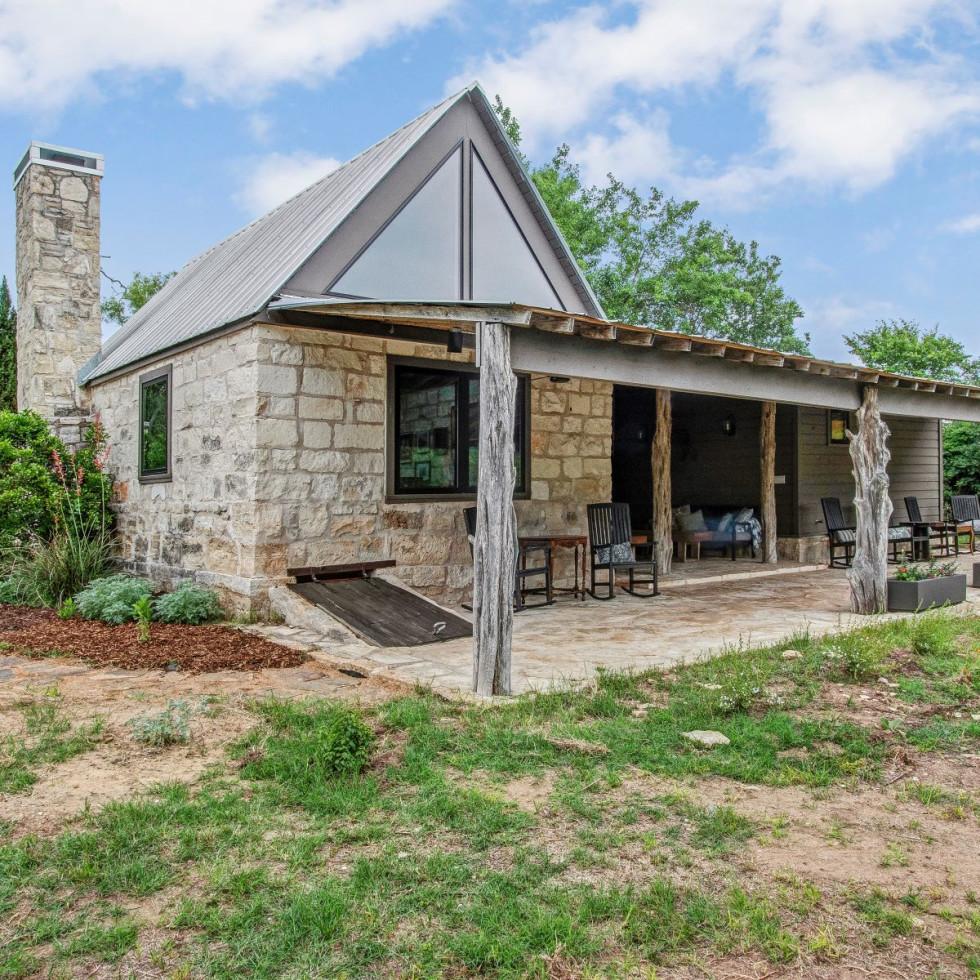 Porch House, Odonata Escape