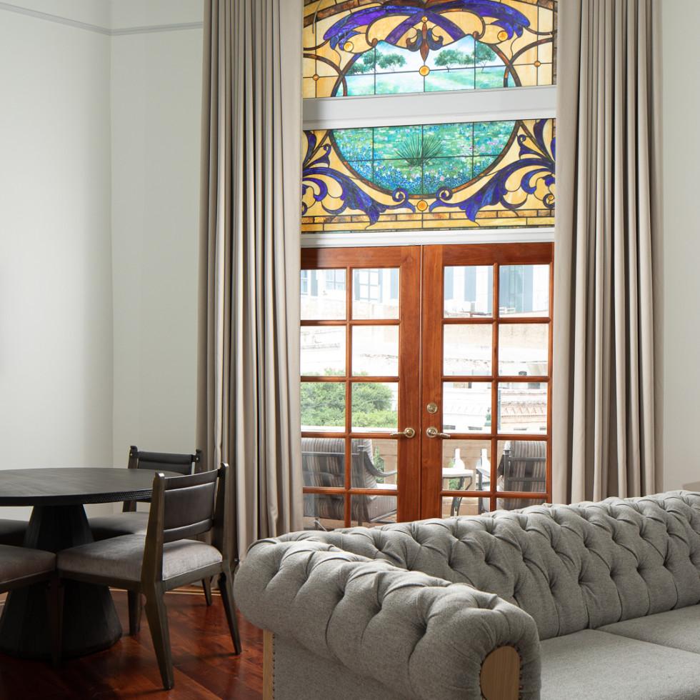 LBJ suite living room