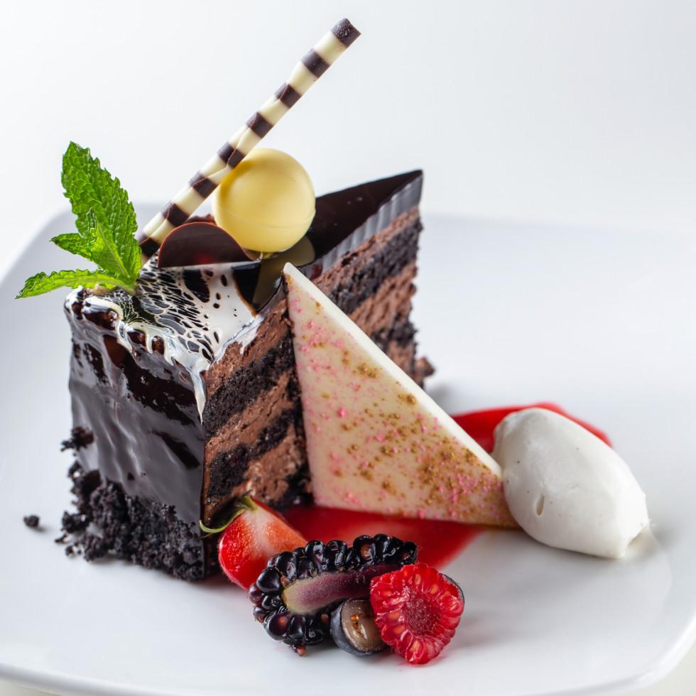 Common Bond downtown chocolate gateau cake
