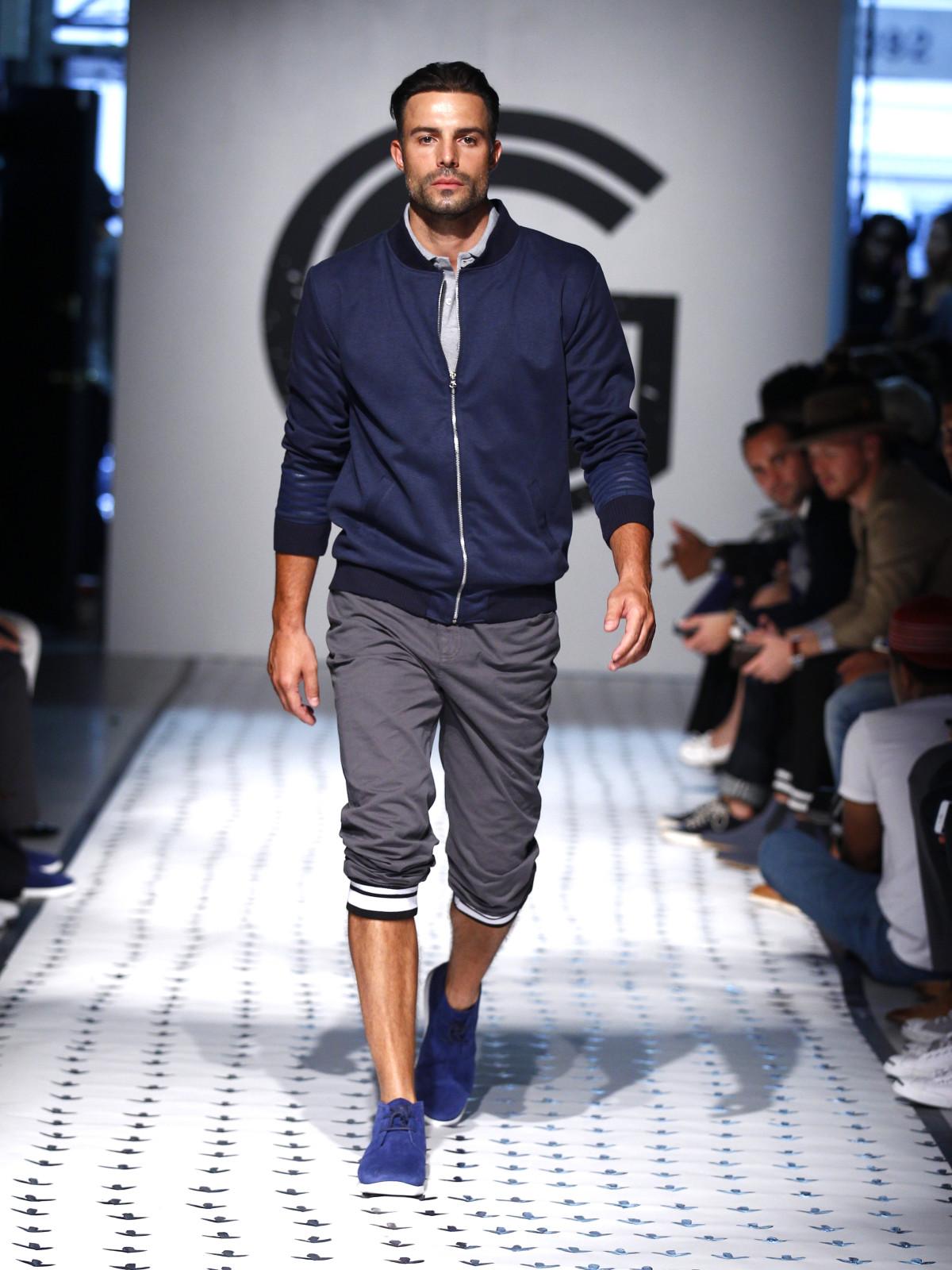 1e3988490716 New York Men s Fashion Week Grungy Gentleman spring summer 2016 coat