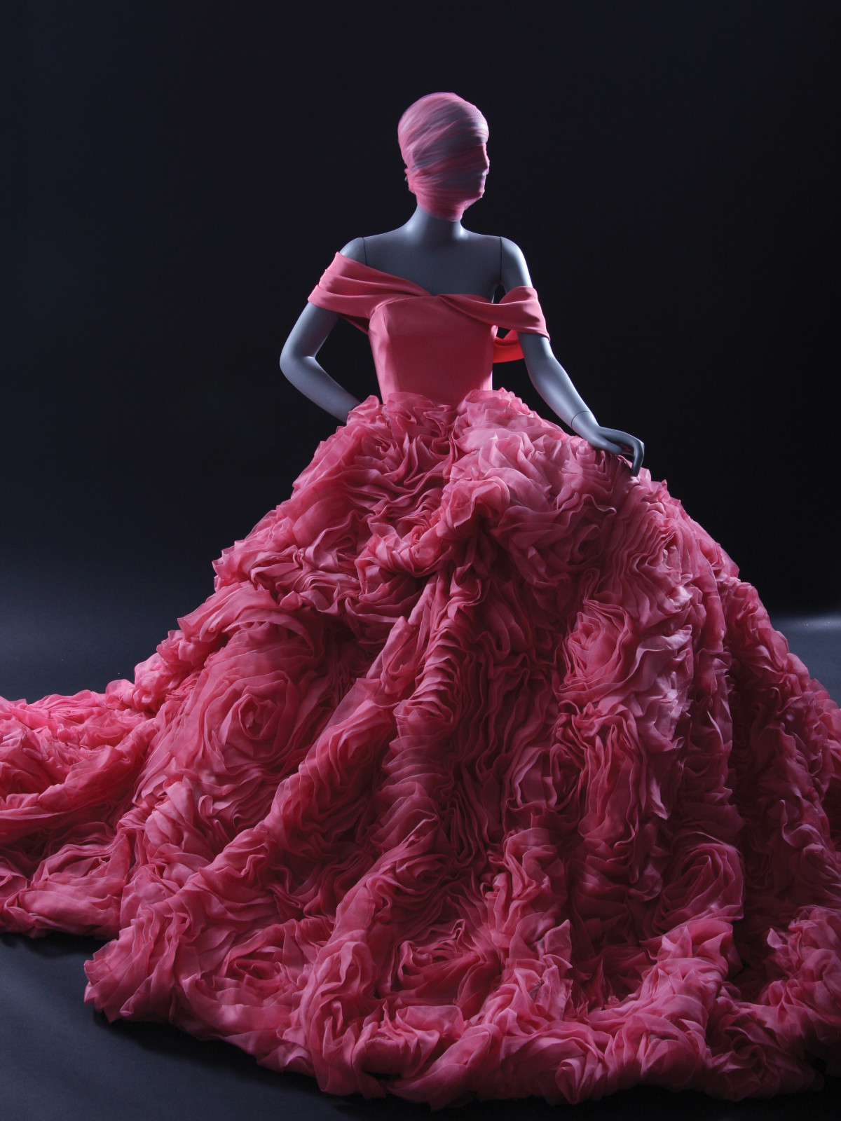 abb54e0bc8df How Christian Siriano created so many Dresses to Dream About ...
