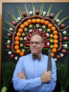 Alton Brown of Good Eats and Iron Chef for Edible Inevitable Tour