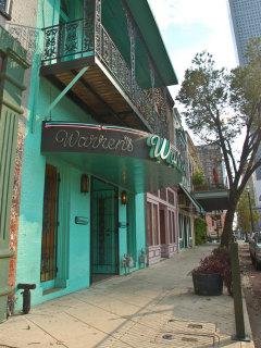 Place-Drinks-Warren's Inn-exterior-1