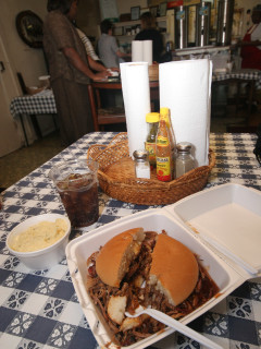 Place-Food-Thelma's Barbecue