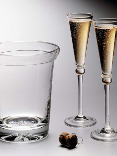Places-Shopping-Bering's Siimon Pearce champagne bucket