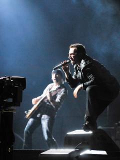 News-U2 Concert-Oct. 2009-Bono-The Edge