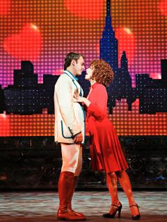 News_Nancy Wozny_Darren Ritchie_Janet Decal3_Wonderland_Alley Theatre
