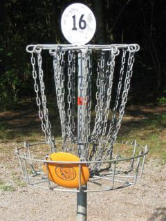 News_Peter Barnes_disc golf_basket