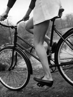 News_Katie Oxford_teacher appreciation_girl_bike_legs