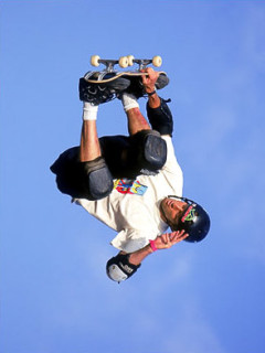 News_Tony Hawk_skateboard_sky