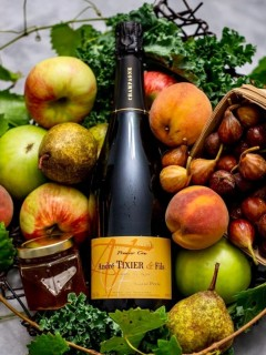 Champagne Tasting, Food Pairing & Cave Tour Experience