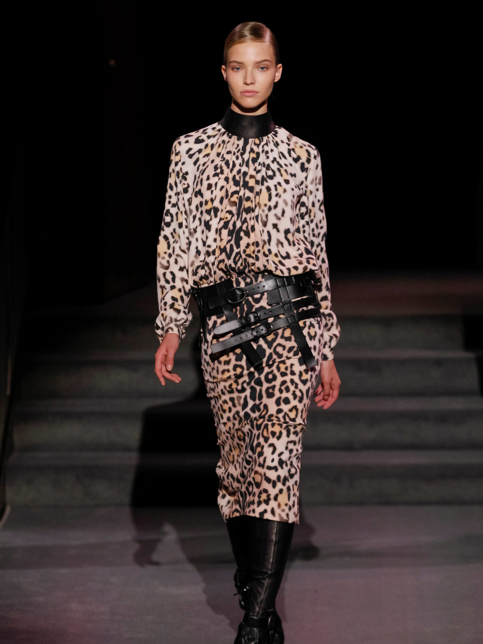 Tom Ford look 22 leopard print dress