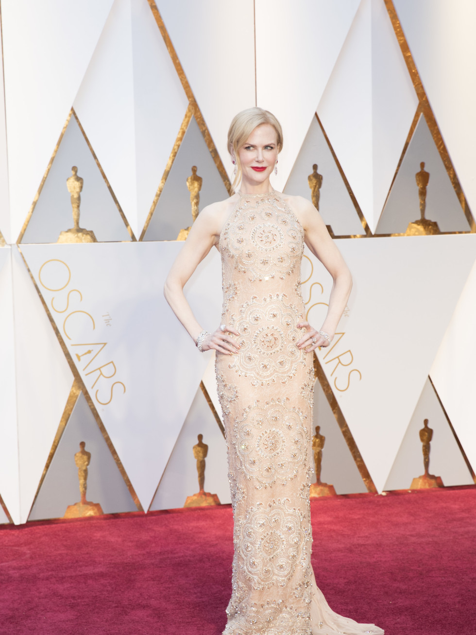 Nicole Kidman at Oscars 2017 in Armani Prive