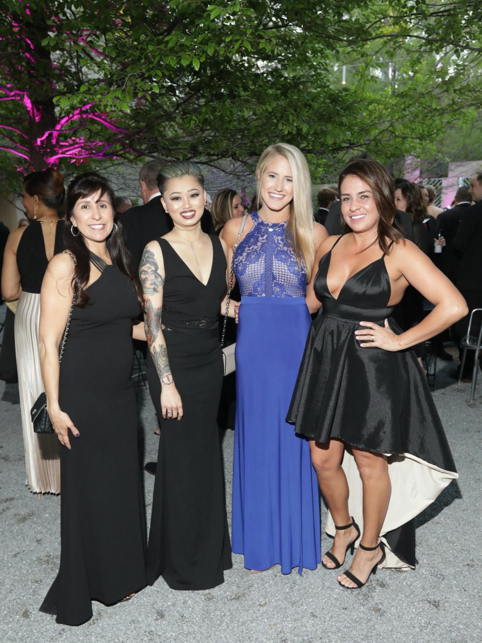 Lori Leatherwood, Diana Chansombat, Sarie Morrison, Claudia Torres