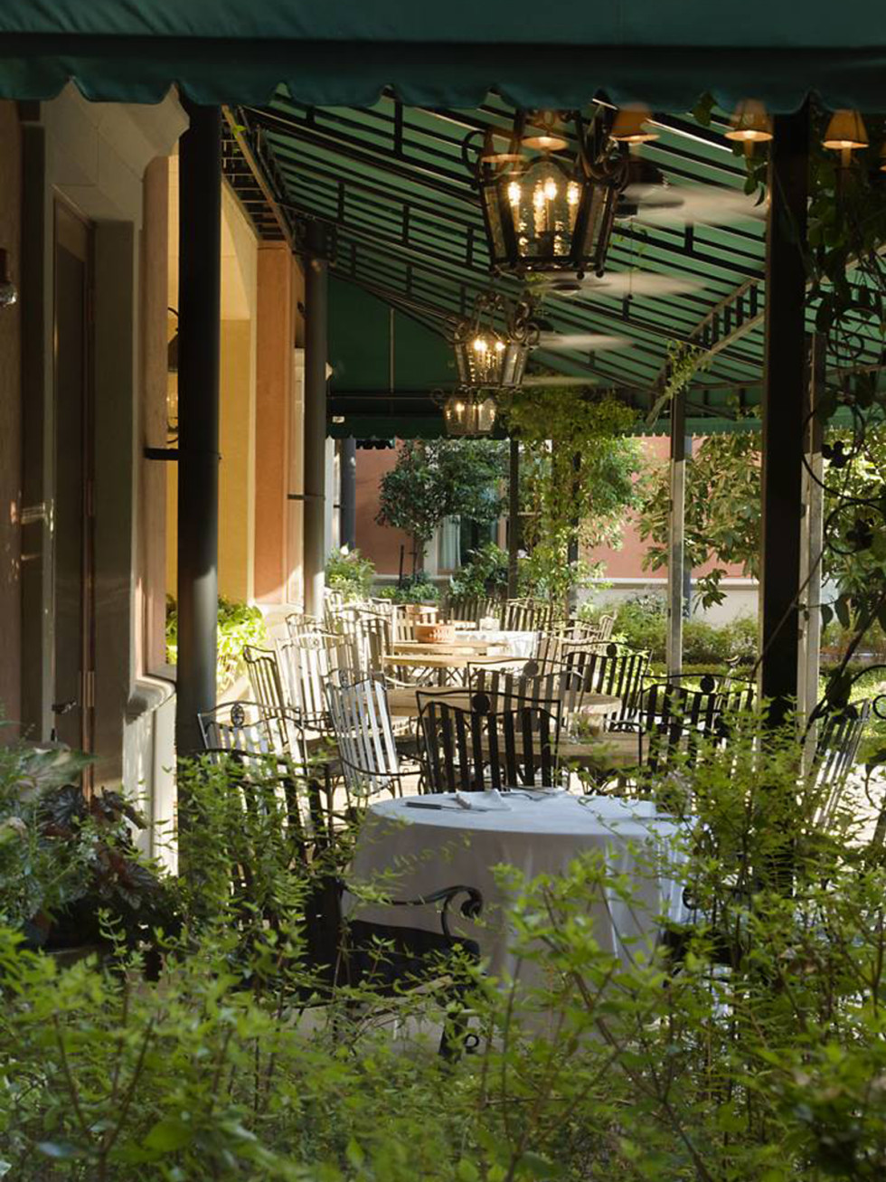 Hotel Granduca Houston patio