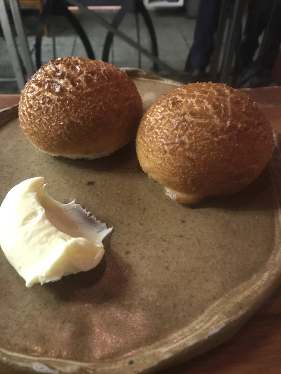 Oxheart Dutch crunch roll