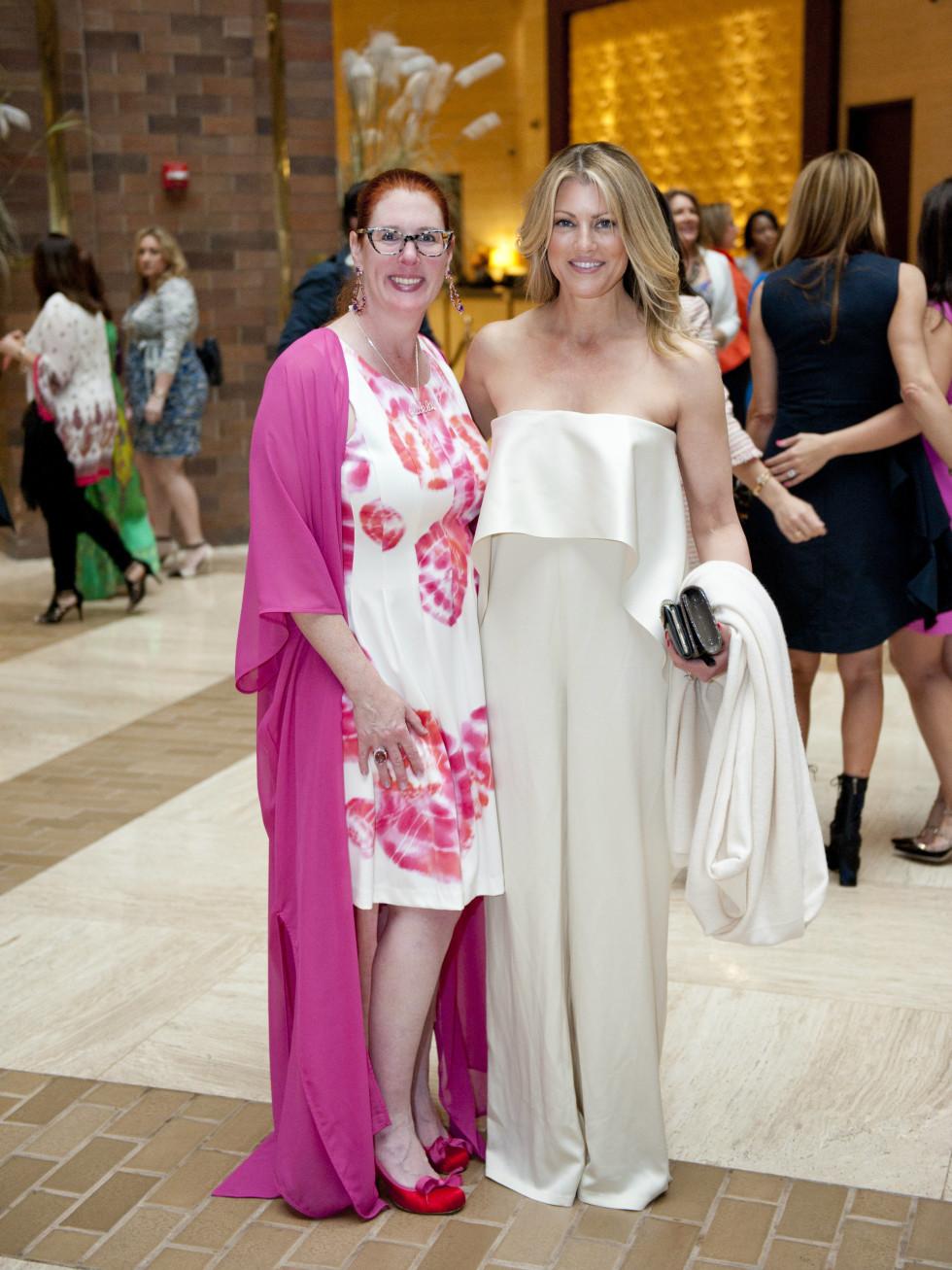 Anne Stodghill, Holly Davis