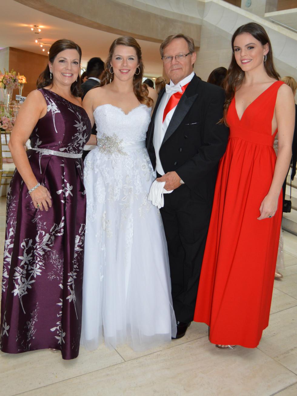 The Davis family: Mia, Mary Catherine, Ron and Gracie