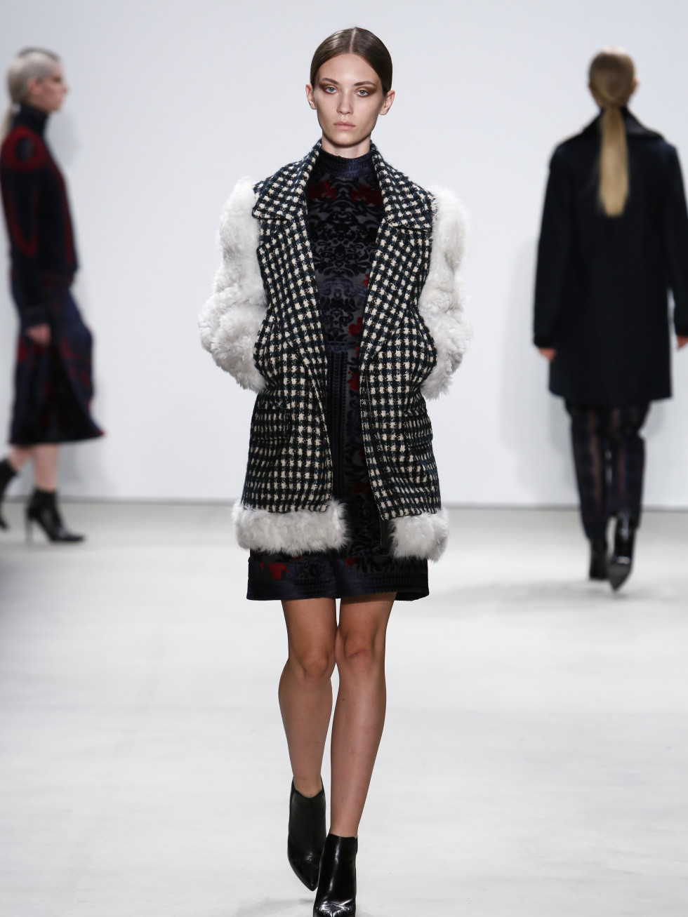 Yigal Azrouel fall 2016 collection look 17