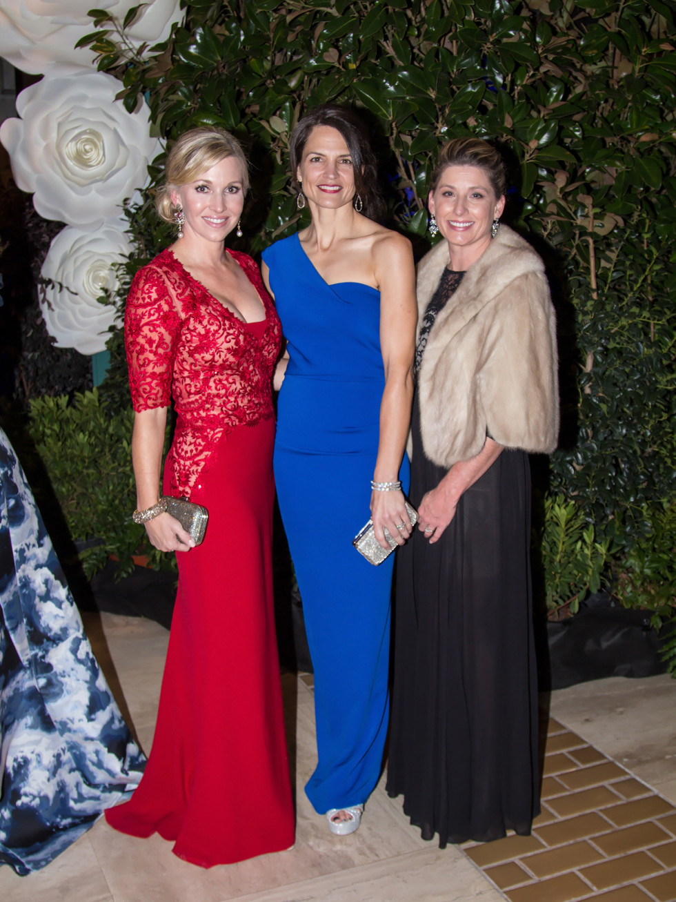 Tavia Hunt in Reem Acra, Meredith Messick, Cammie Heflin in Alice+Olivia