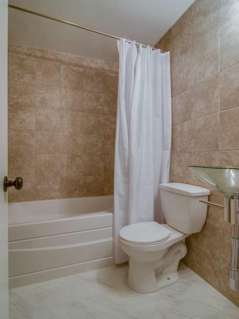 3065 Kinkaid Dr. bathroom in Dallas