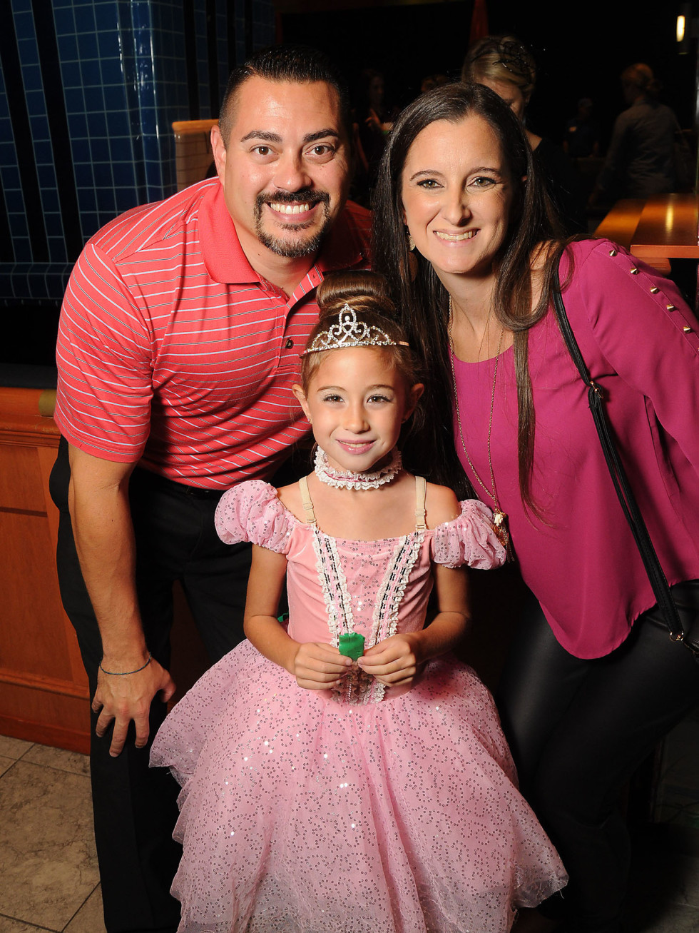 MD Anderson Halloween at the Galleria Henry, Bailey and Angela Rodriguez