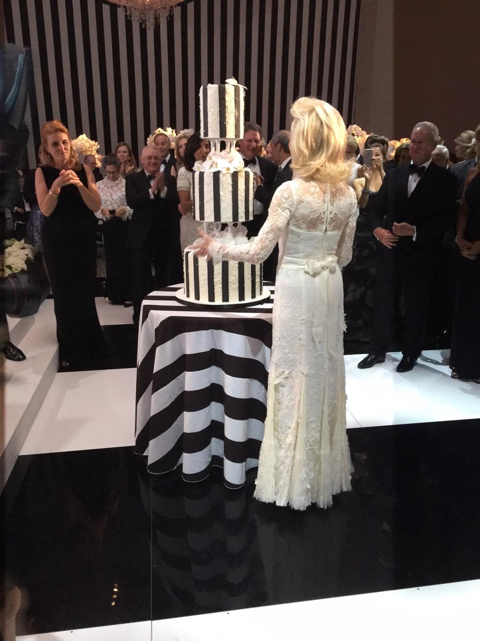 News, Shelby, MFAH ball gowns, Oct. 2015, Lynn Wyatt gown