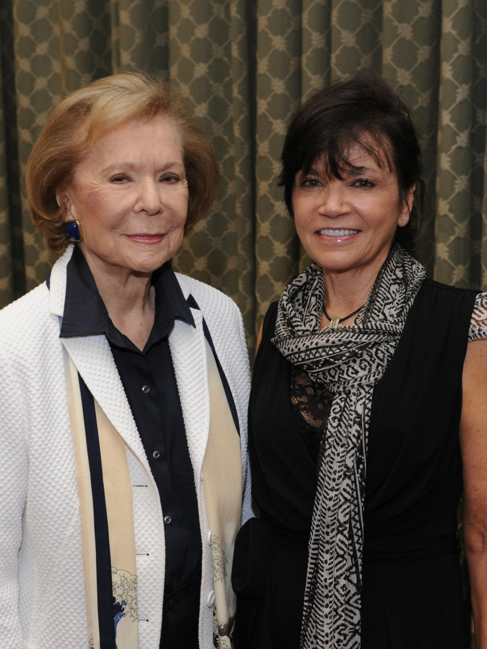 Ruth Sharp Altshuler, Cindy Gummer