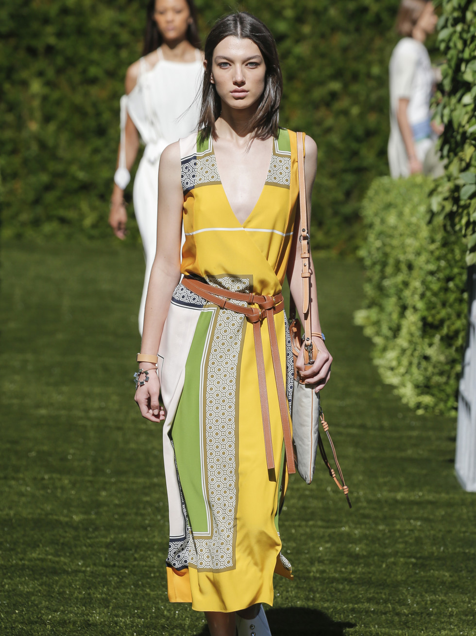 Tory Burch spring 2018 look 5 scarf-print silk satin dress