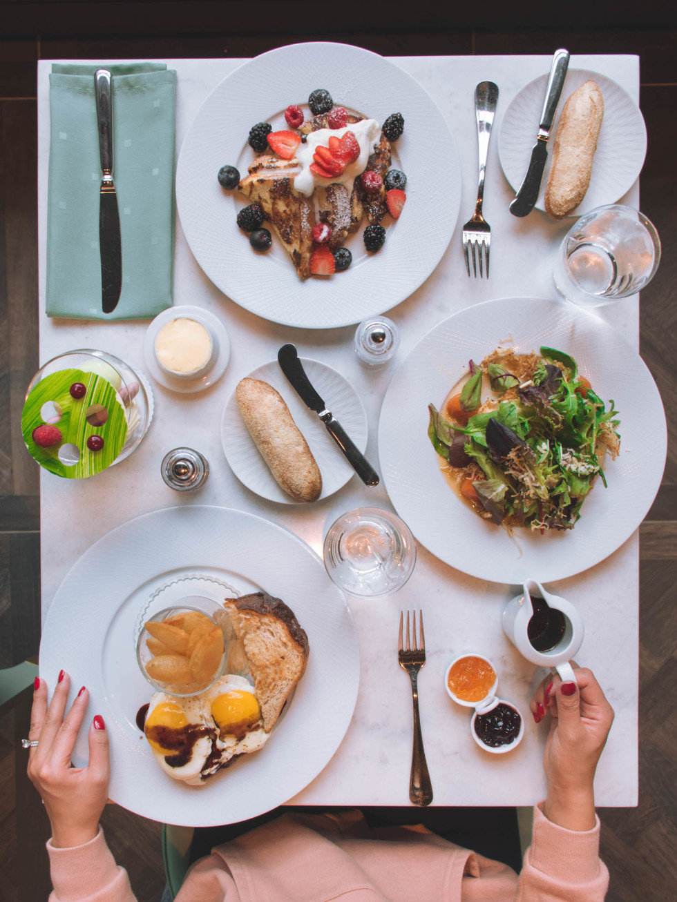 Hotel Alessandra Lucienne brunch spread