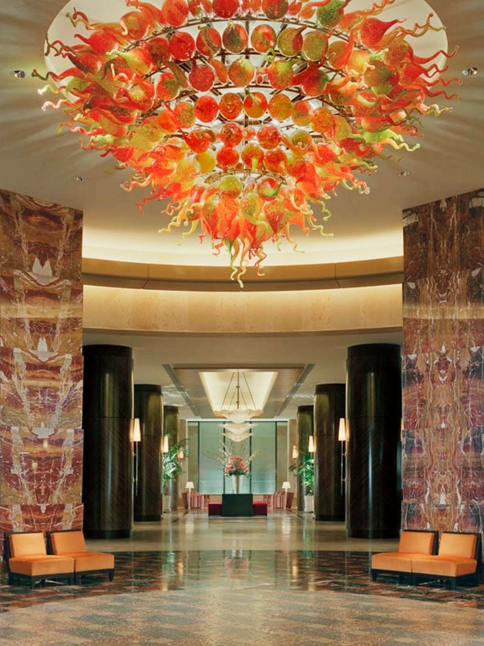 Places-Hotels/Spas-Hilton Americas-Houston-rotunda